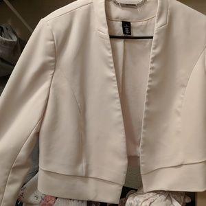 Cream/ white cropped blazer